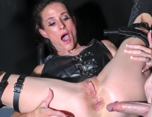 SofieMarieXXX/My Mom is a Dom
