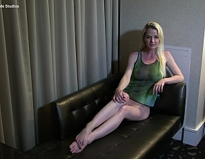 Yummywomen/BTS Anita on the Chaise Lounge